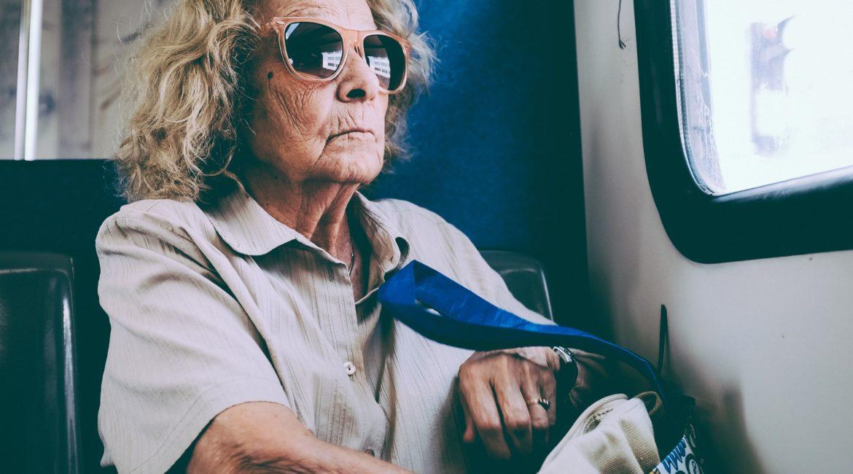 87 jährige wehrt sich mit Erfolg gegen die Maskenpflicht