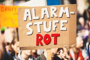 Die Stadt Freiburg möchte uns die Maskenpflicht auf Demonstrationen wieder in die Auflagen schreiben